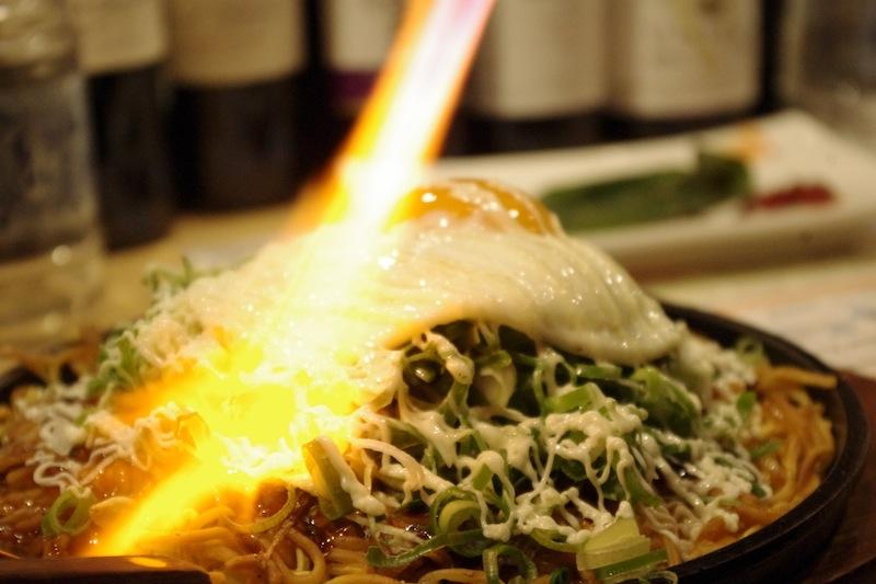 report[第53回drinksひろしま@はまらいん]お好み焼きをバナーで炙るって初めてみたわ。