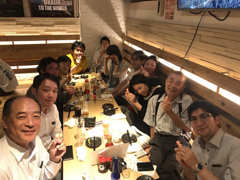 新宿の地下で本格広島お好み焼きとお笑いが食せるお店 | 鉄板ベイビー 新宿東口店